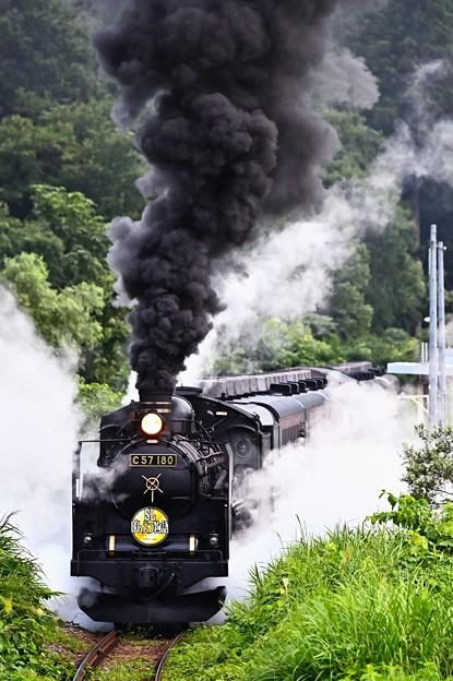 Photos: C57 180牽引SLばんえつ物語@下り三川発車