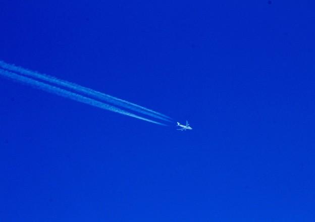 上空の飛行機
