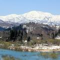 Photos: 飯豊山と白川湖