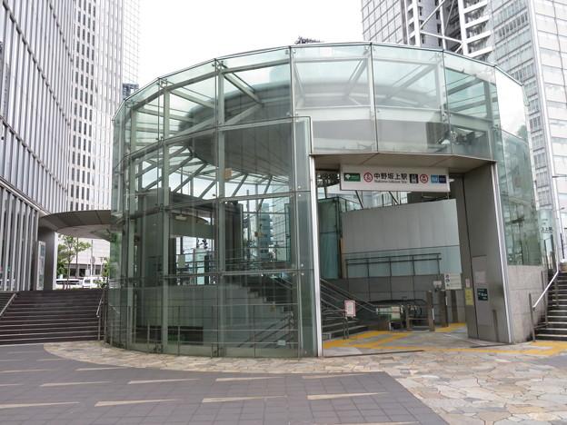 中野坂上駅 A1番口 1