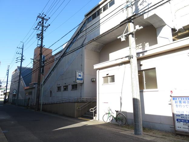 上社駅 3番口