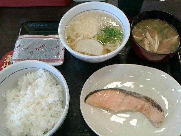 なか卯「銀鮭朝定食&はいからうどん小」370円&JAF優待券