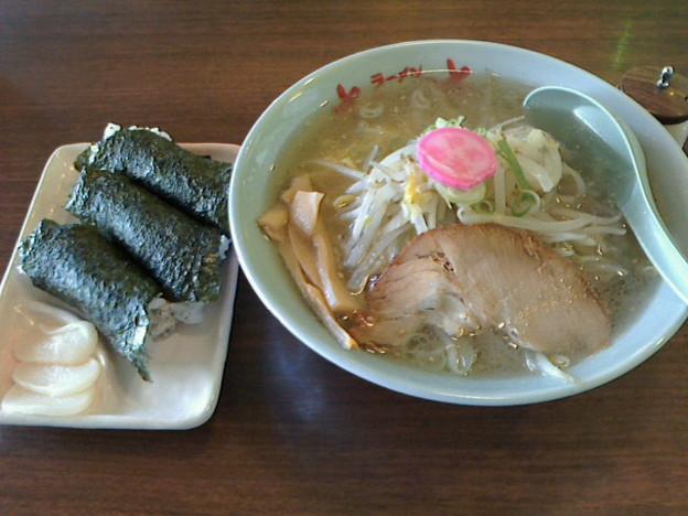 Photos: さんぱち「塩ラーメン&のりマヨ」550円&300円さんぱちデー