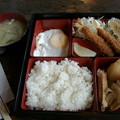 Photos: 喫茶橘「日替わり弁当」670 円エビフライとり手羽じゃが目玉焼き