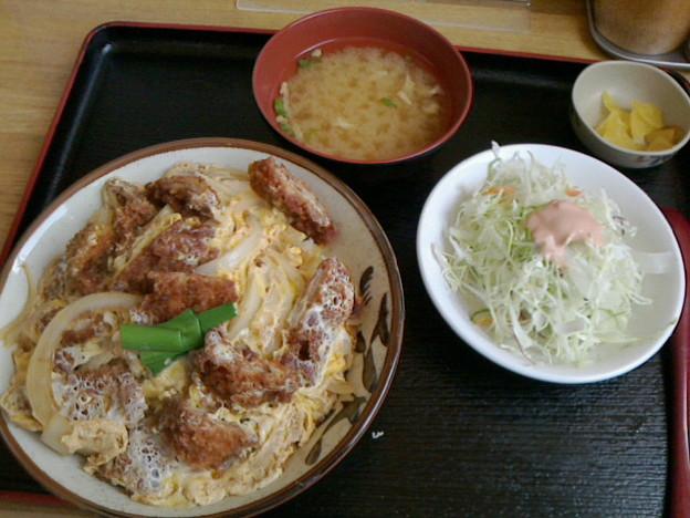 六宝亭「バラかつ丼」600 円