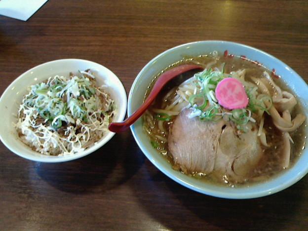 さんぱち「正油ラーメン& チャメシ」550 円&300円さんぱちデー