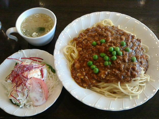 かしさ「キーマカレーのスパゲッティ」880 円日替わりランチ大盛りサービスドリンク付き