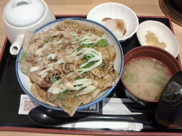 銀の舞「A ランチ」980 円元祖銀の舞豚丼セット