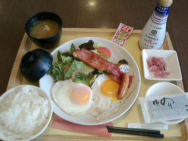 ロイヤルホスト「フライエッグ和定食」649 円10%JAF割引券