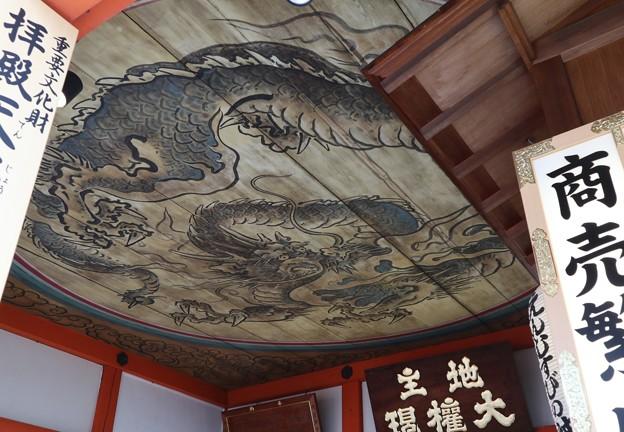地主神社・拝殿