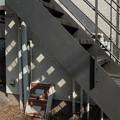 Photos: 階段の下