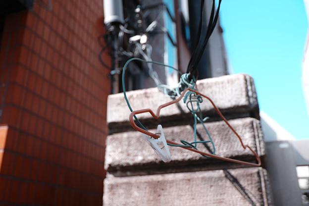 電線にハンガー