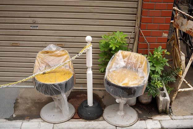 Photos: 2脚の椅子