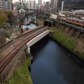 Photos: 城の外濠を渡る鉄路