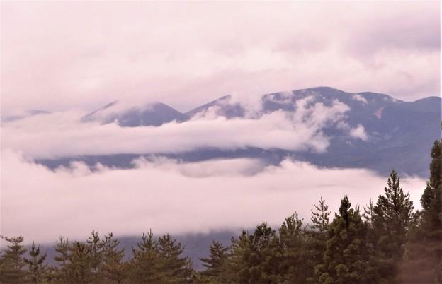 雲の中の吾妻小富士