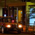 週末夜のオフィス街のタクシーのりば(2)