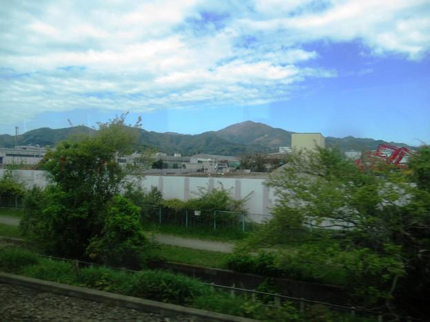 01 車窓から大山方面
