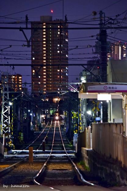 都会、夜の狭間