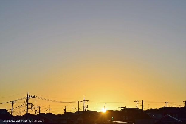 日の出(211002)