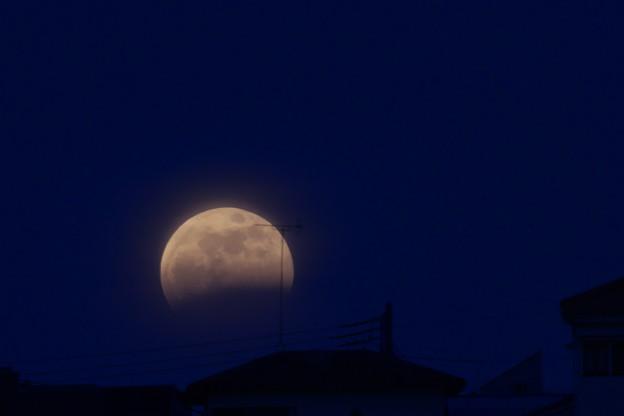 月蝕(横浜から)