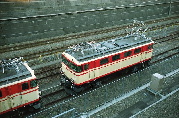 新秋津で待機するE31形