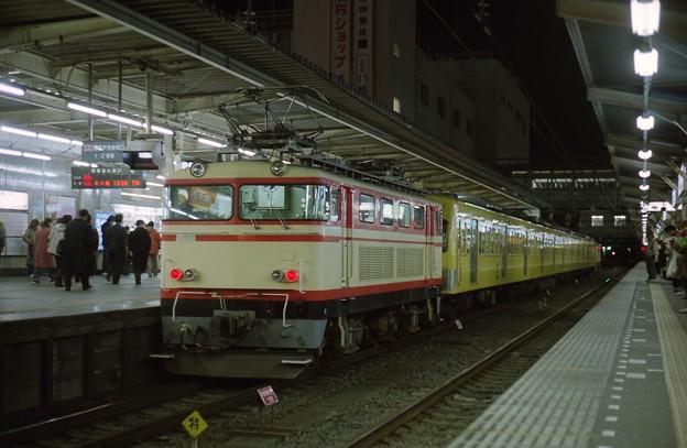 所沢駅1番線に停車中の101系回送列車