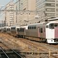 Photos: 錦糸町の留置線に入る215系回送