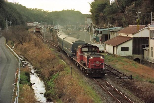 温泉津駅を発車する「出雲4号」