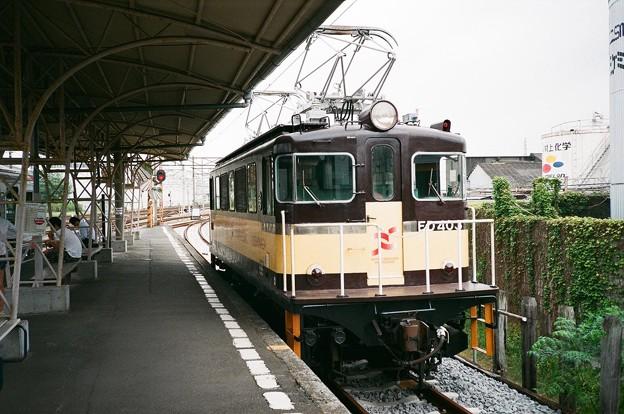 吉原駅のホームで小休止するED403