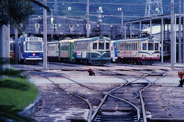 20000822土佐電鉄桟橋車庫