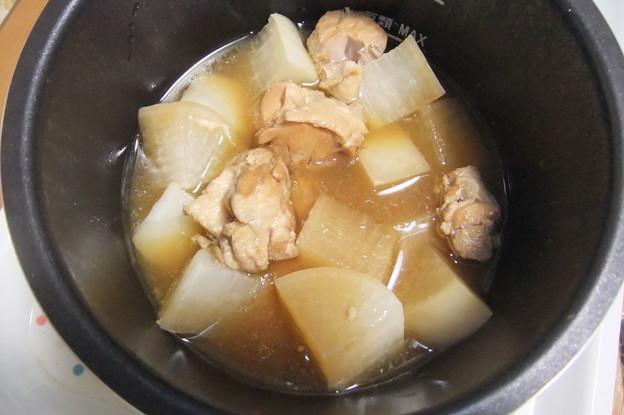 電気圧力鍋で煮た大根と鶏肉煮