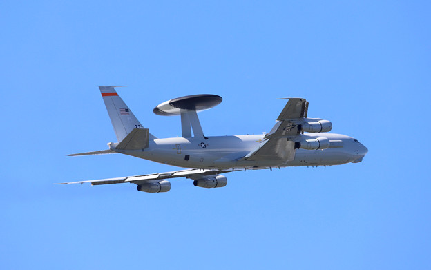 E-3B 75-0560 セントリー離陸-4