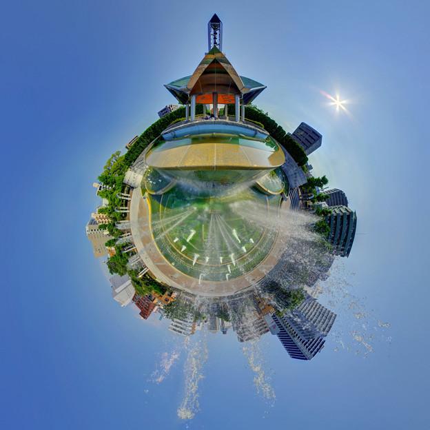 静岡市 常磐公園 噴水 昼景 Little Planet