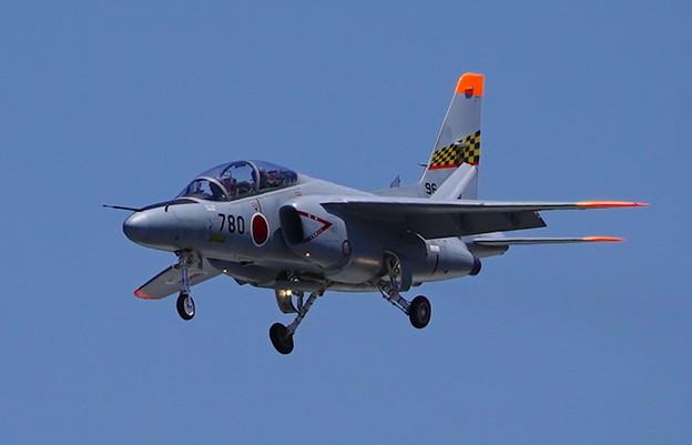 亜音速ジェット機 Kawasaki T-4