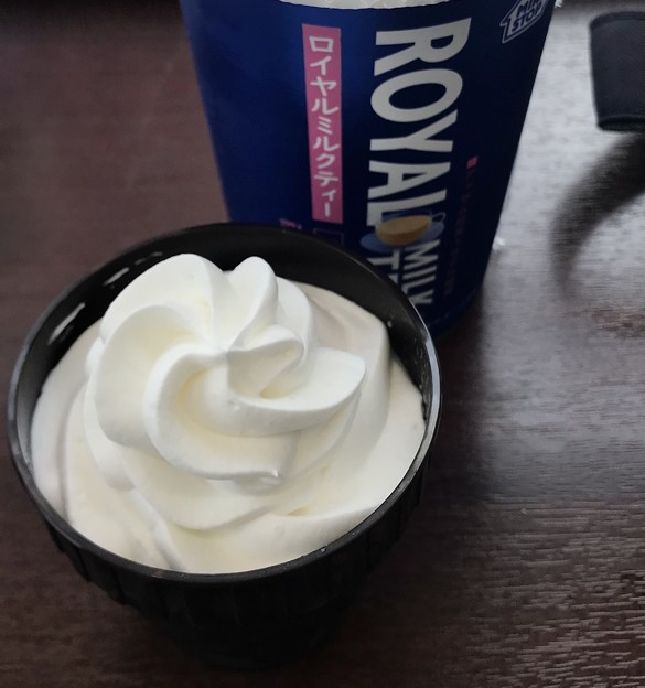 ソフトクリームみたいなプリン 226円ミニストップ