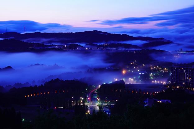 高原都市の黄昏