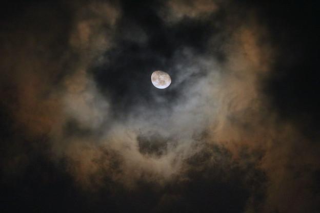 R3.3/3未明の月