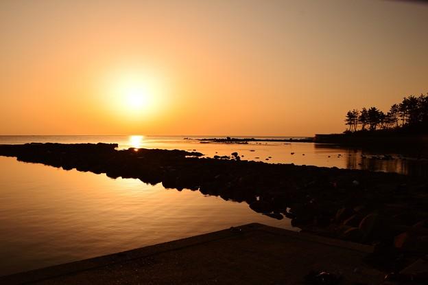 夕景 能登は百浦海岸