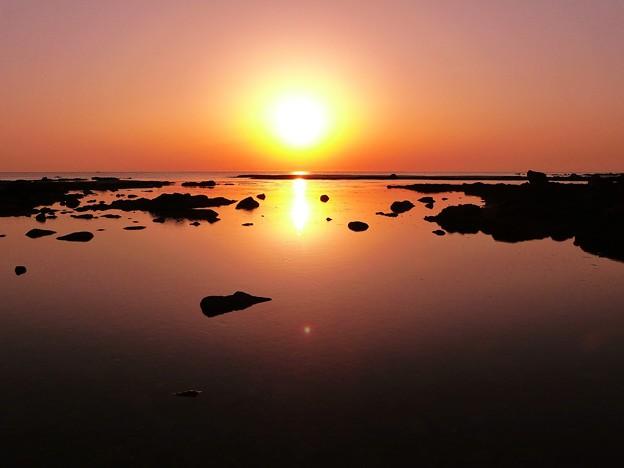 静寂の夕景 能登百浦海岸
