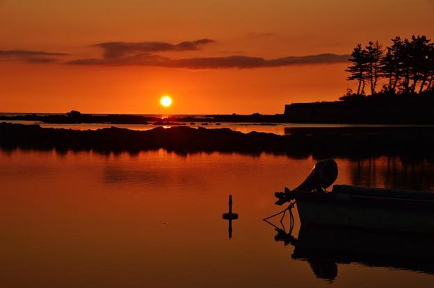 静寂の夕景  能登は百浦漁港