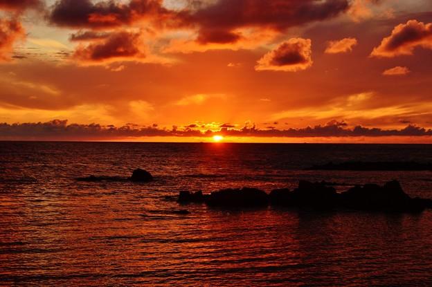 夕景 能登半島 赤住海岸