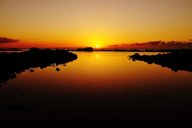 静寂の夕景 能登は上野海岸