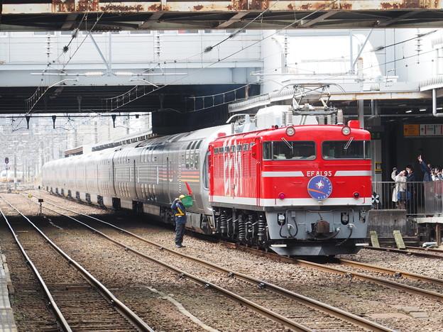 カシオペア紀行 秋田駅 機関車付け替え