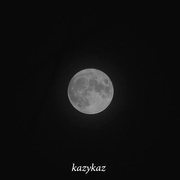真夏の夜の月