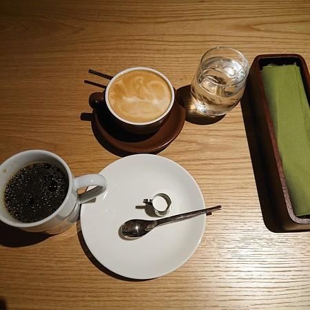 ブレンドとカフェラテ