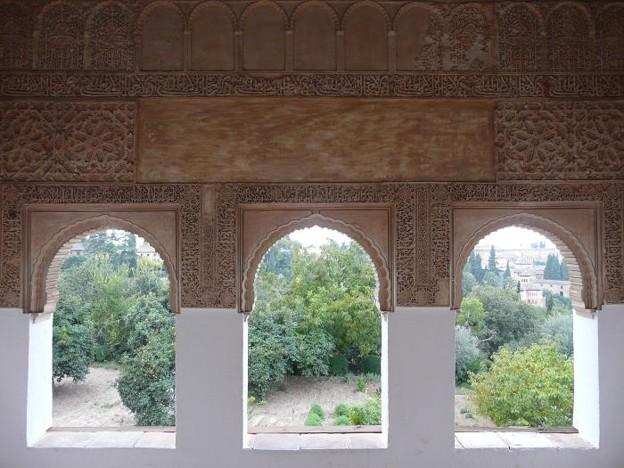 ヘネラリフェ・アセキアの中庭回廊