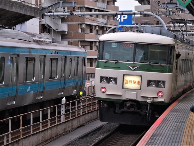 JR宇都宮線赤羽駅3番線 185系B5編成臨時快速足利藤まつり号上野行き前方確認