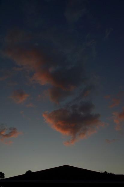 屋根の上の夕焼け雲 その3