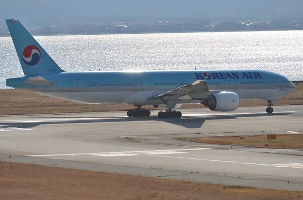 大阪湾と飛行機