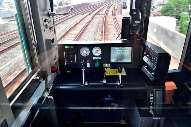 2021_0810_081406 現代のチンチン電車??
